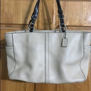 Coach beige tote (authentic)